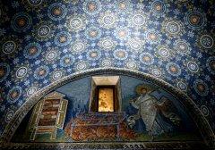 Mausoleo_di_Gala_Placidia_-_0390141373_-.JPG, 118 KB